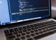 Se merită sau nu să urmezi cursuri de programare în domeniul IT?
